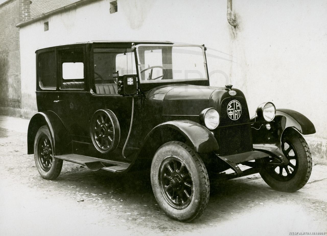 Fiat-502-Coupe-de-ville-versione-taxi-per-la-citta--di-Atene-1924