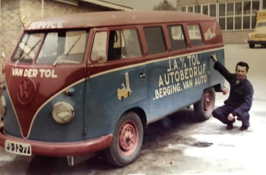 Johan-Hoek-foto-VW-bus-services-wagen