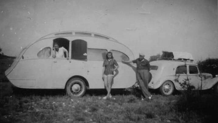 Citroen-11-en-Caravan-L-Escargot-(1)