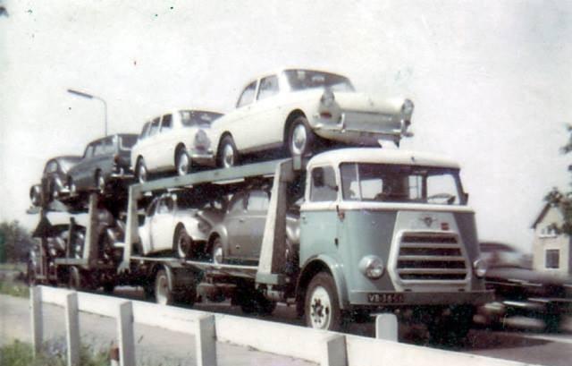 Daf-cartransport-met-speciale-goten-die-voorde-de-Daf-luxewagen-maar-niet-geschikt-voor-andere-merken--Ad-van-Geel-archief-(2)