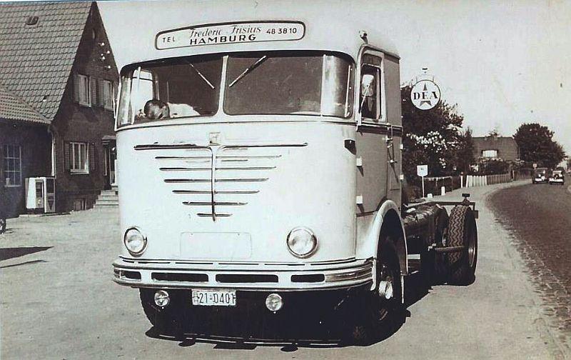 Bussing-7500-U-met-Imhof-cabine-voor-Frederic-Frisenius