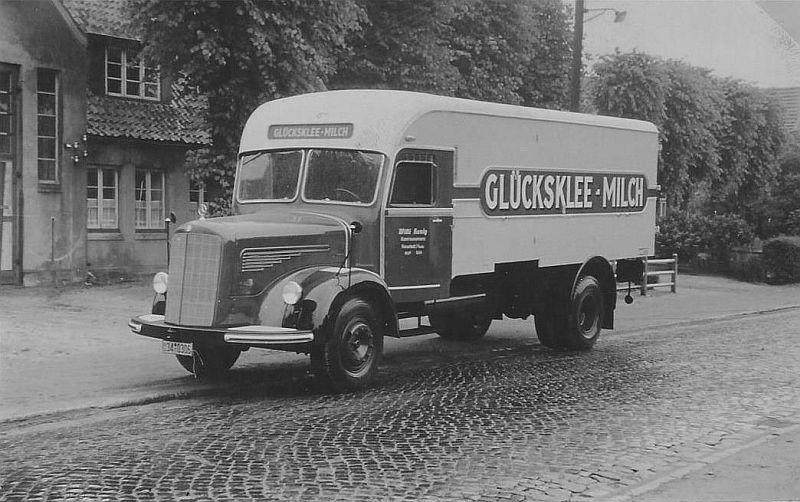 Mercedes-L-315-voor-Willy-Konig-in-Neustadt--Sleeswijk-Holstein