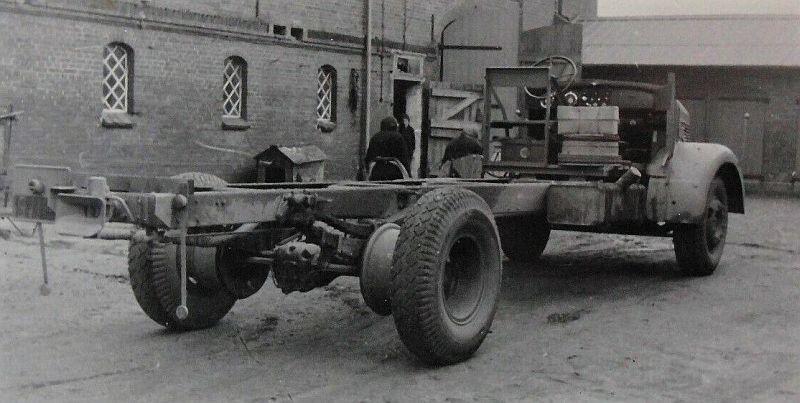Mercedes-L-6600-levering---nieuw-chassis-te-bouwen-begin-jaren-50