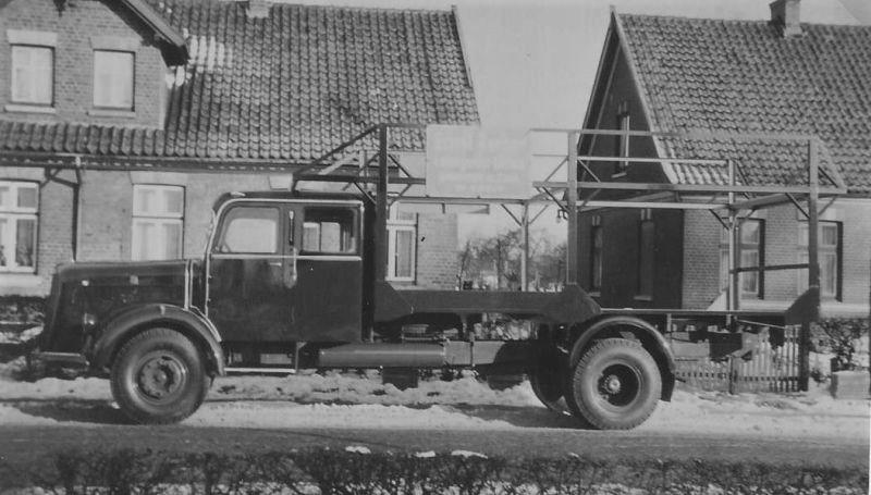 Mercedes-L-6600-voor-laddersteigers-van-Gerber-in-Hamburg-Altona