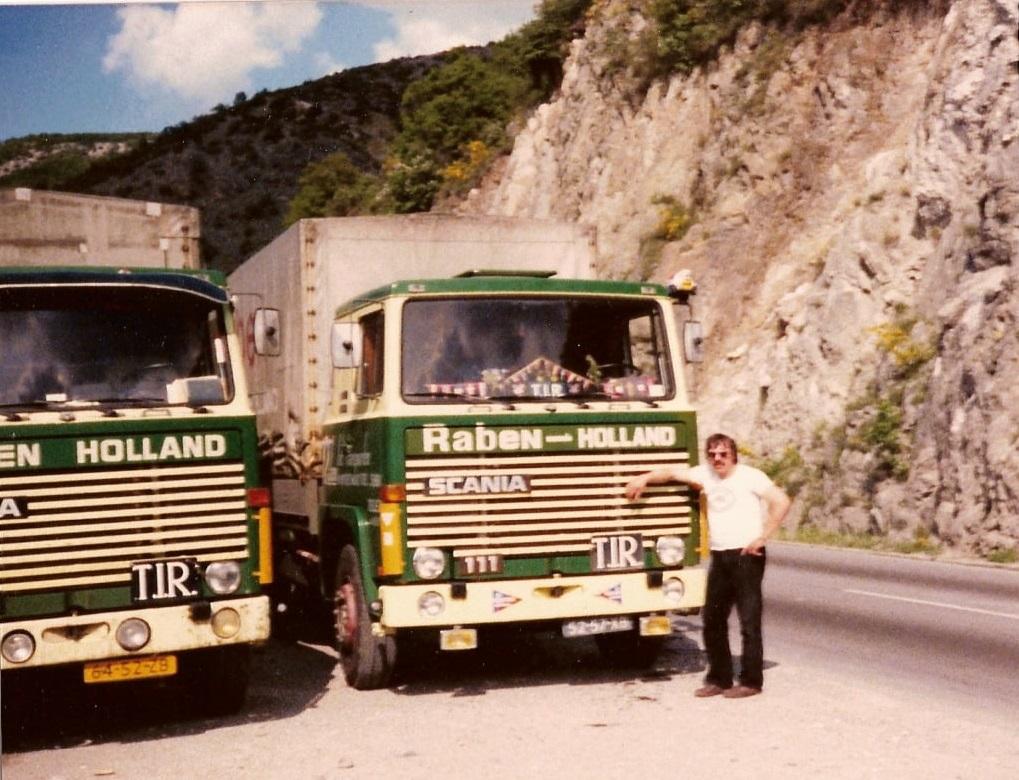 Theo-Mentink-met-de-Scania-111-met-een-andere-lettertype-naam-erop-(3)