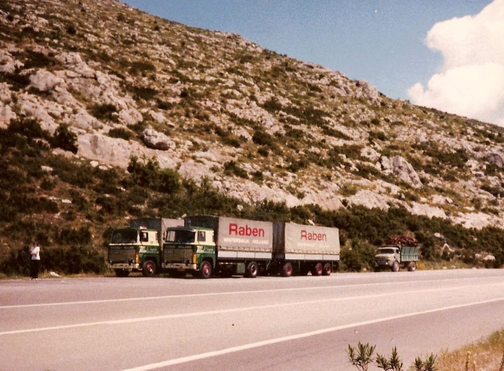 Theo-Mentink-met-de-Scania-111-met-een-andere-lettertype-naam-erop-(6)