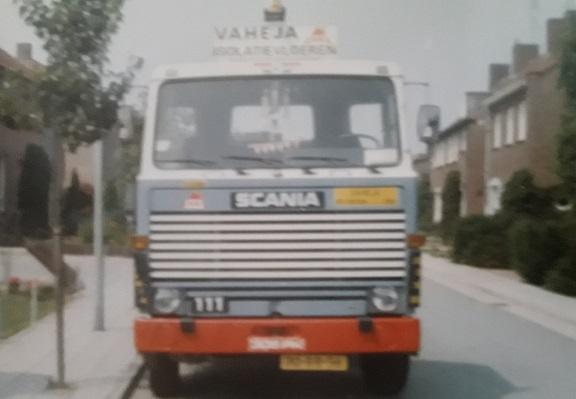 Met-deze-scania-111-heeft-mijn-vader-via-zlb-voor-vaheja-vloeren-in-belgie-gereden--Auto-is-toen-dit-stopte-aan-Fontijn-in-Weert-verkocht-Jo-Louvenberg-(2)