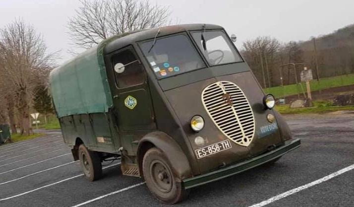 Peugeot-Q3A-van-1950--Corrèze--19--ongeveer-2500-tot-3000-exemplaren-geproduceerd-in-deze-motor-en-versnellingsbak-van-203-(1)