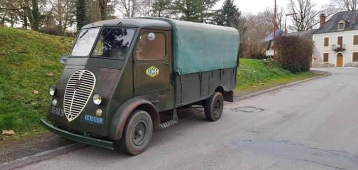 Peugeot-Q3A-van-1950--Corrèze--19--ongeveer-2500-tot-3000-exemplaren-geproduceerd-in-deze-motor-en-versnellingsbak-van-203-(2)