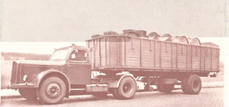 SAURER-3-CT1DTb-met-zijn-semi-fiche-75-op-een-as---de-grote-winter-van-1954-Georges-Bezingie-photo-(1)
