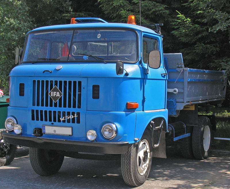 IFA-W-50_l_blau