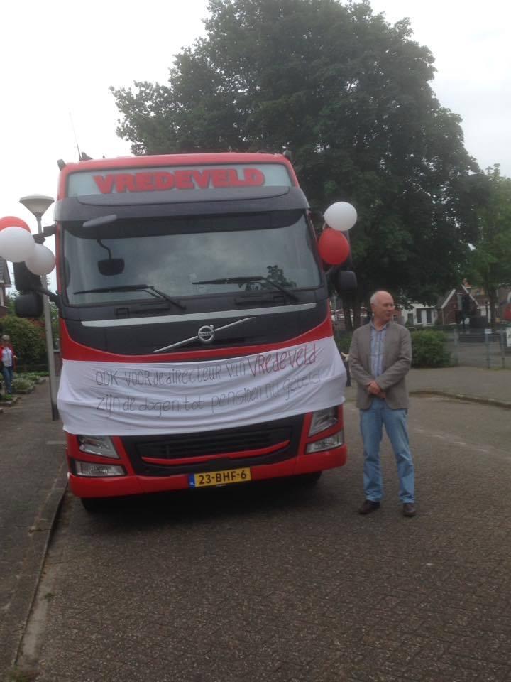 0-Vrijdag-1-juli-2016-heeft-Bertus--na-32---jaar-afscheid-genomen-als-eigenaar-en-directeur-van-Vredeveld-Transport