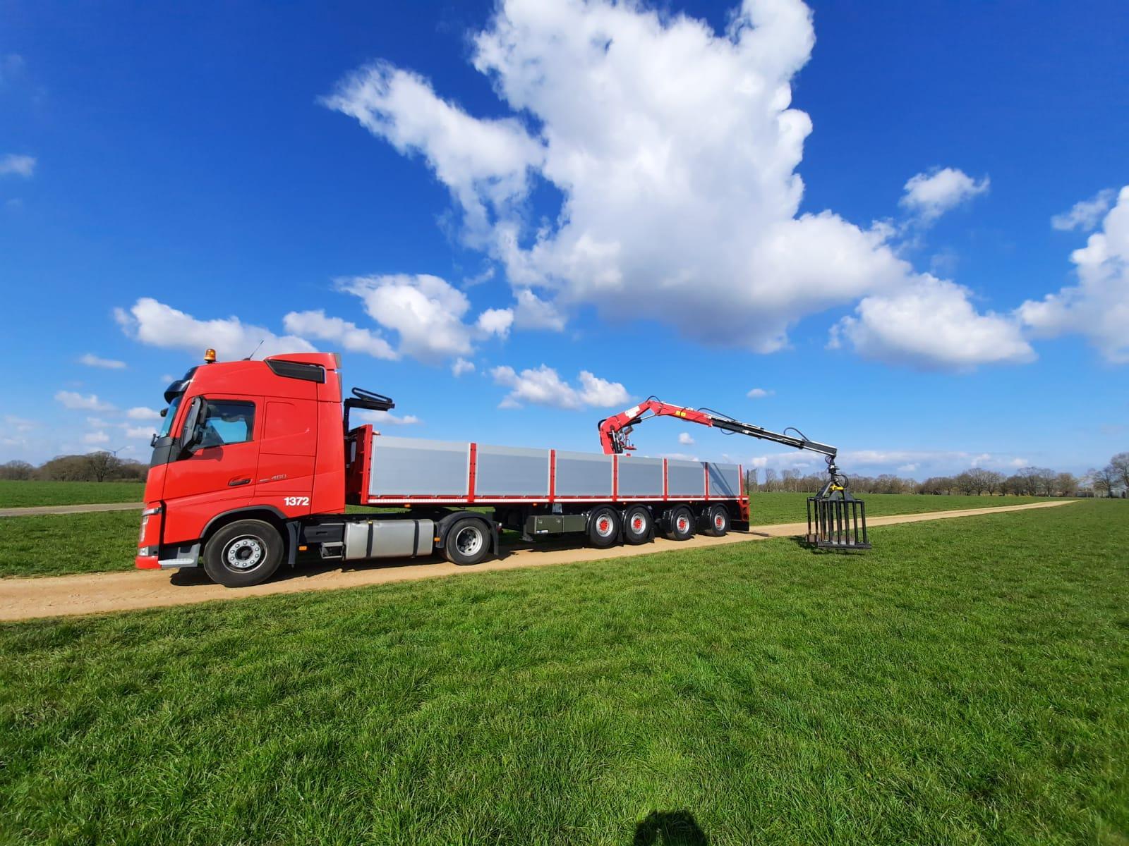 Volvo-1372-met-nieuwe-Kinetic-trailer-2-4-2020