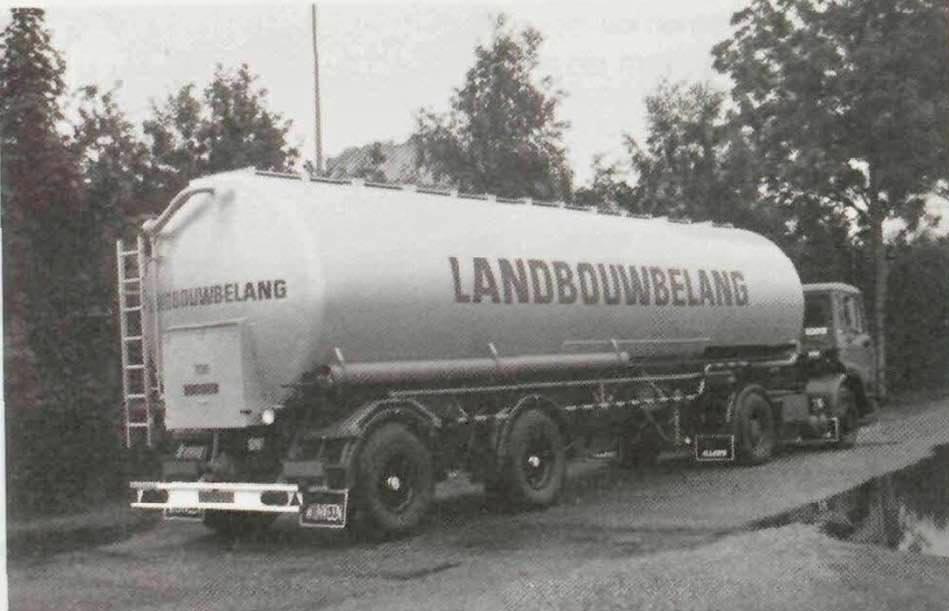 Veevoeder-bulkwagens---Piet-Schoorl-archief-(1)