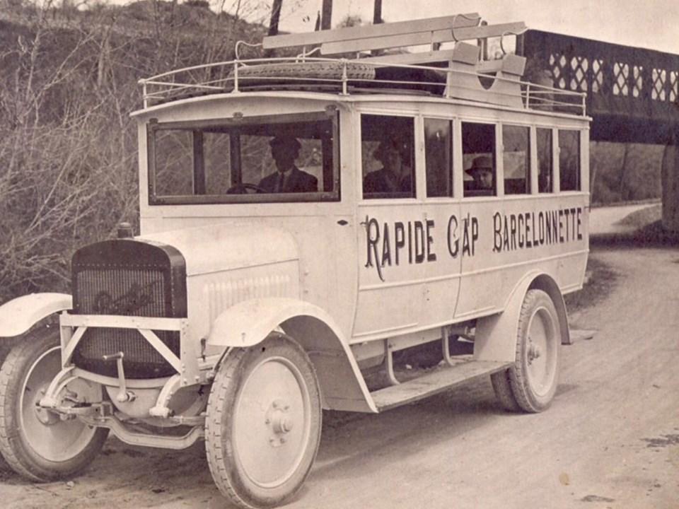 Berliet--lijndienst-tussen-Barcelonette-04-en-Gap-05-jaren-20