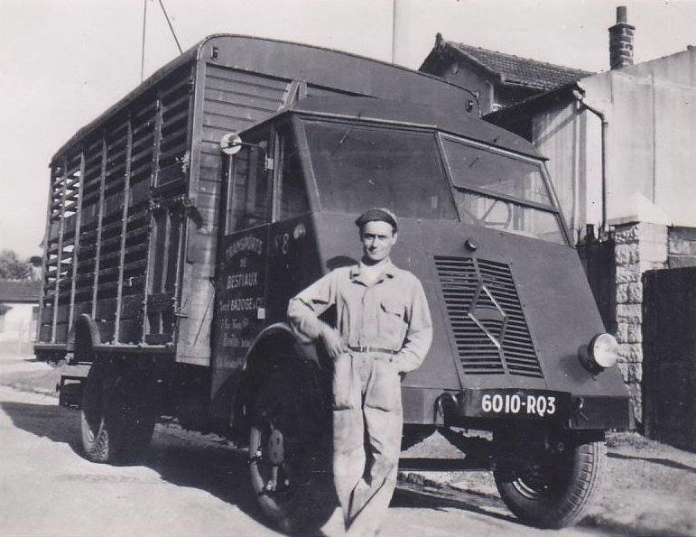 Renault--Marcel-Bazones-Pantin-93---transportteur-danimaux