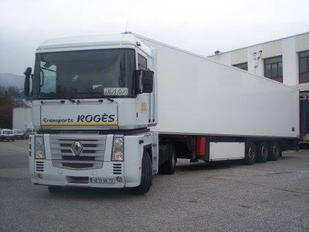 Renault-Magunum-Roges-a-Voglans-73