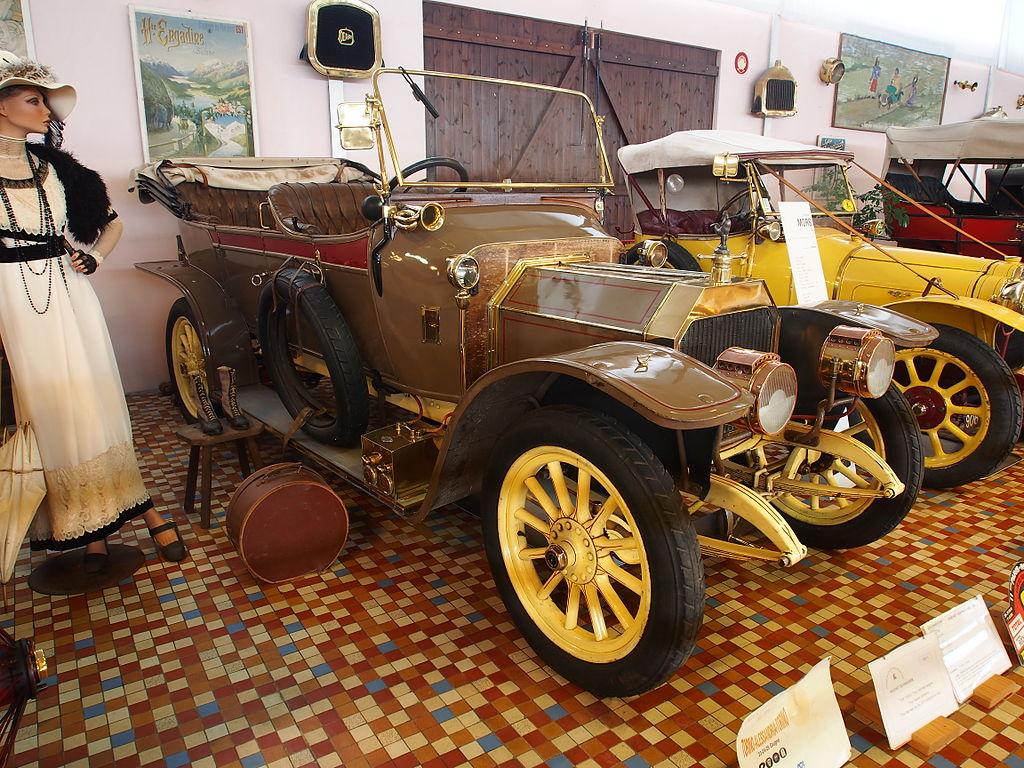 1911_Rochet_Schneider_Type_10200,_4cyl,_11CV_at_the_Musée_Automobile_de_Vendée_pic-1