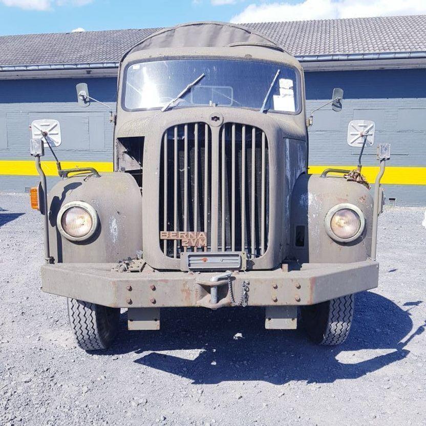 army_truck_saurer_berna_2dm_1965