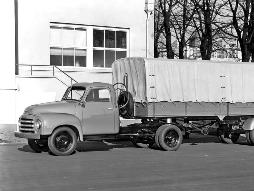 Opel-Blitz-6-Cyll-2500-CC-van-de-Kapitein-7-9-ton