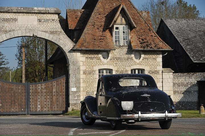 Renault-Viva-Grand-Sport-Coupe-1939-(3)