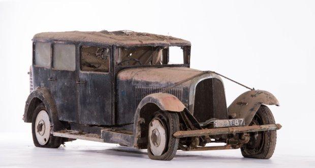 Voisin--C-24-Limousine-1933