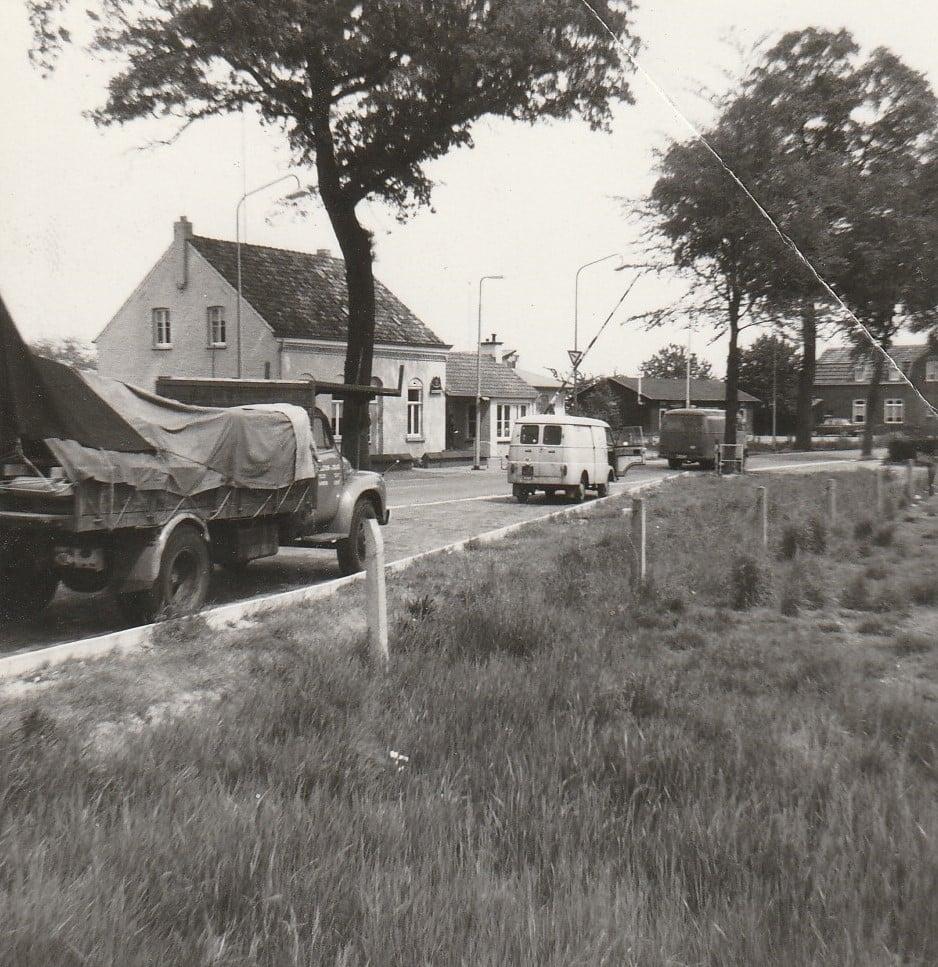 0-Bedford--1965-de-eerste-auto-van-Evert-