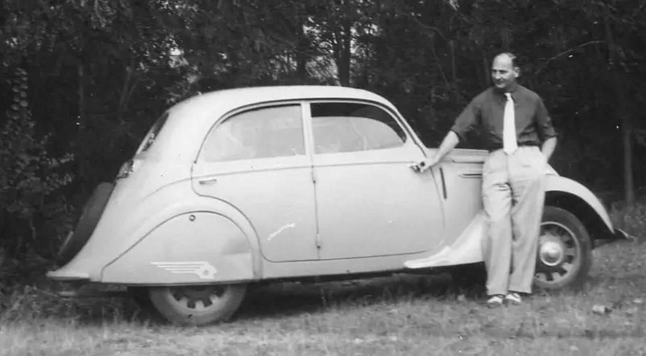 Peugeot-202-La-Petite