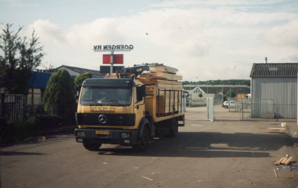 Gerrit-Janssen-Hothandel-Stein-Mercedes-met-kraan-Daemen-Elsloo-(2)