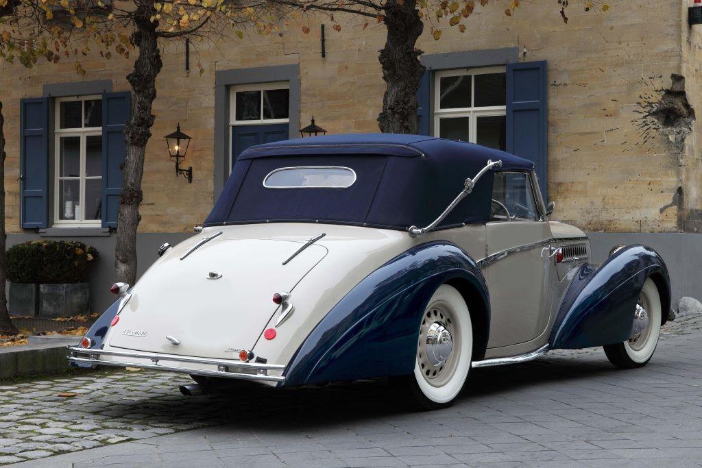 Delahaye-135-M-Cabriolet-par-Pennock-1946-2