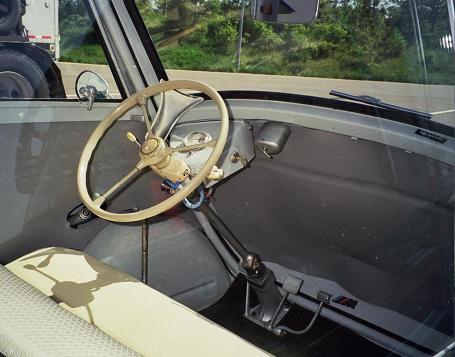 BMW_Isetta_300_interior