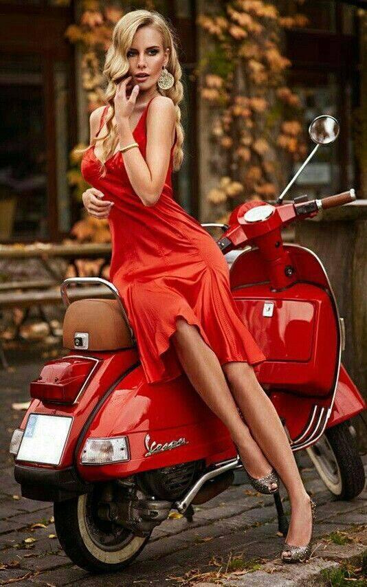 Vespa-in-Red