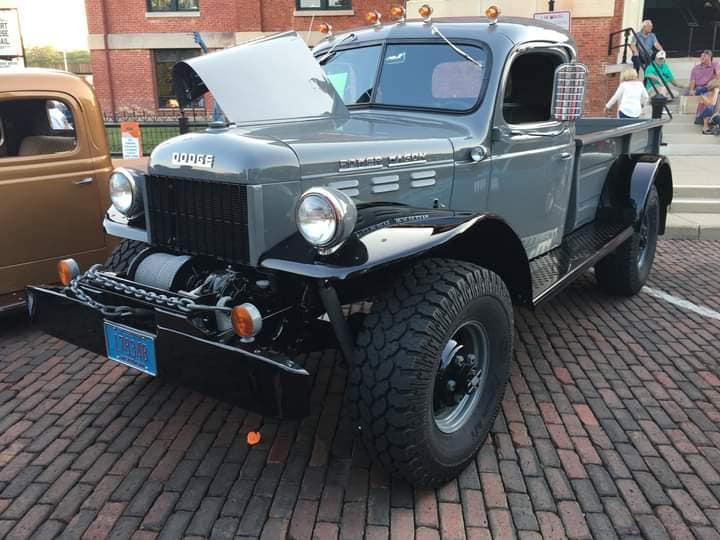 Dodge-Power-Wagon-1960--(1)