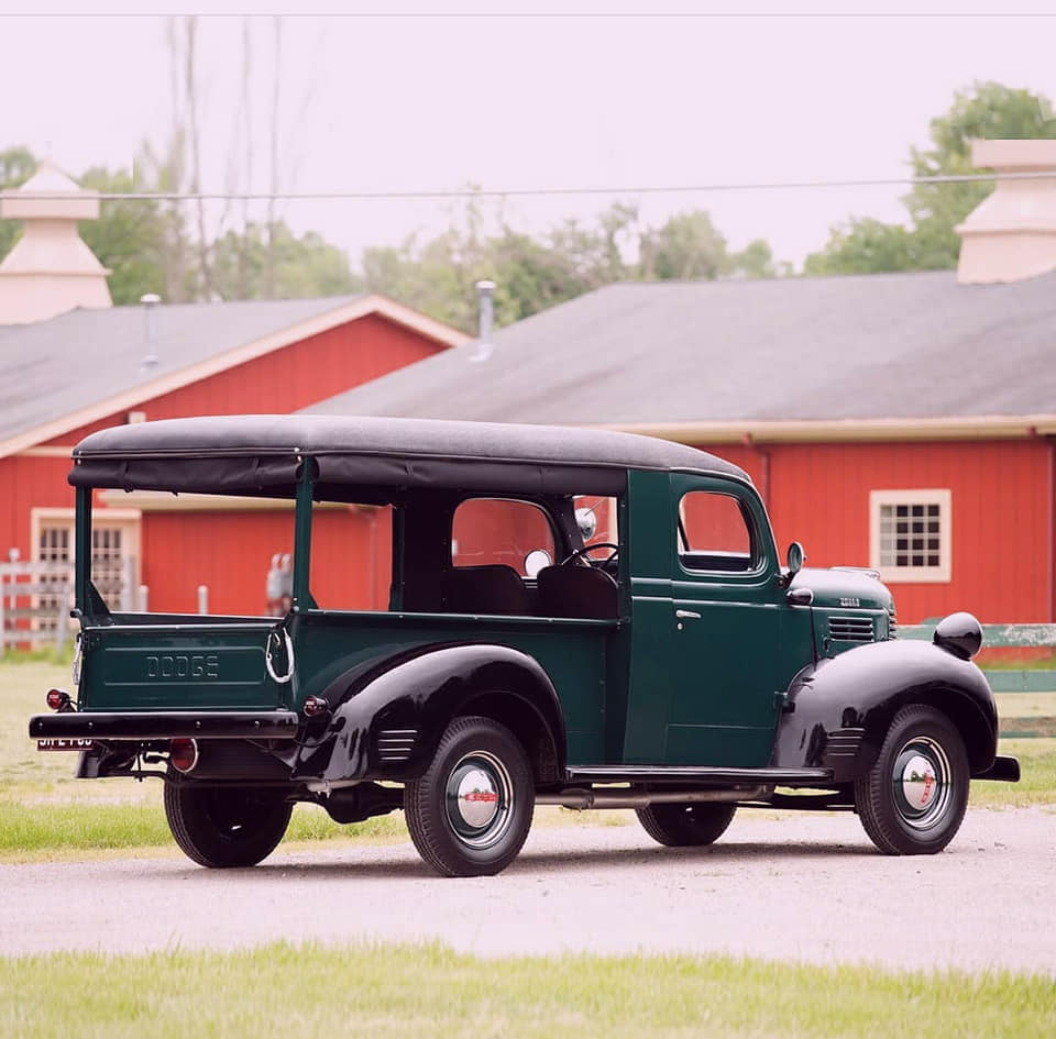 Dodge-job-rated-canopy-express1941--(3)