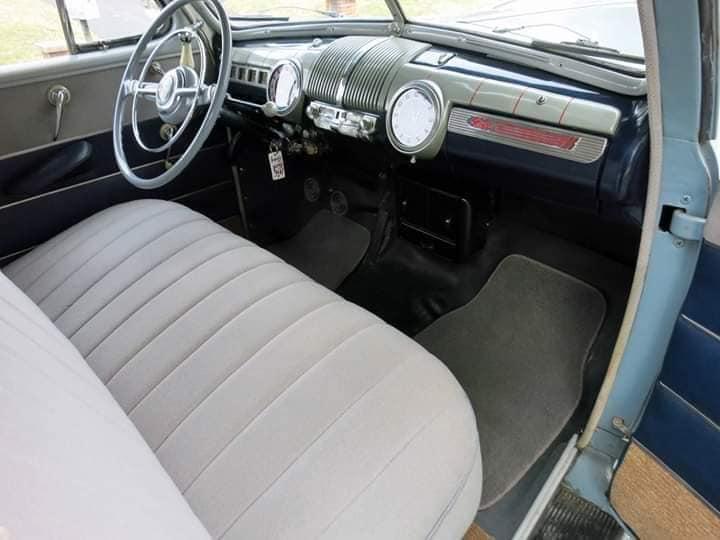 Ford-Deluxe-Sedan-1946-Sedan-(2)