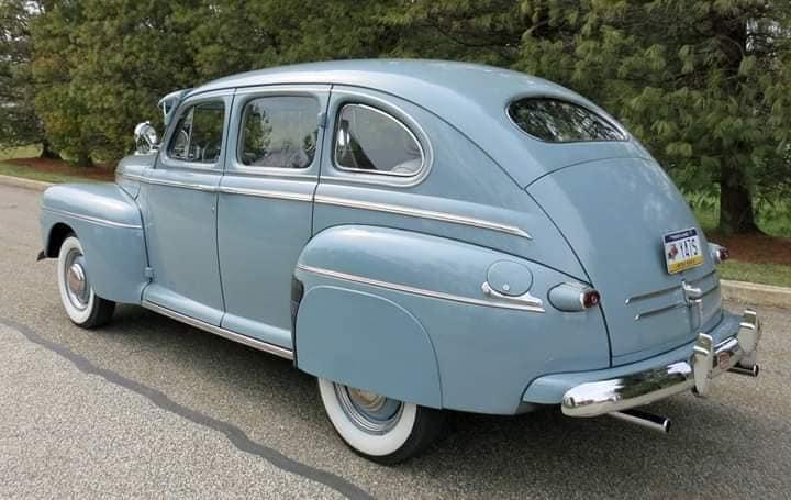 Ford-Deluxe-Sedan-1946-Sedan-(3)