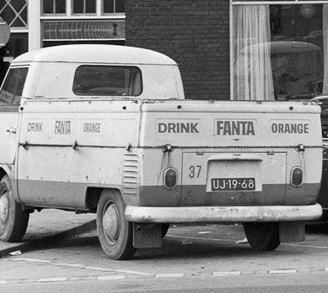 VW-T-1--distributiewagen