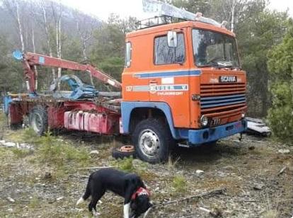 Scania-111--in-Zweden-op-de-sloop