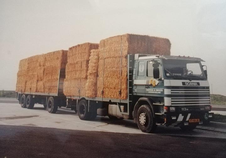 Erik-van-Weverwijk-----Rond-1995-vracht-stro-geladen-in-Frankrijk