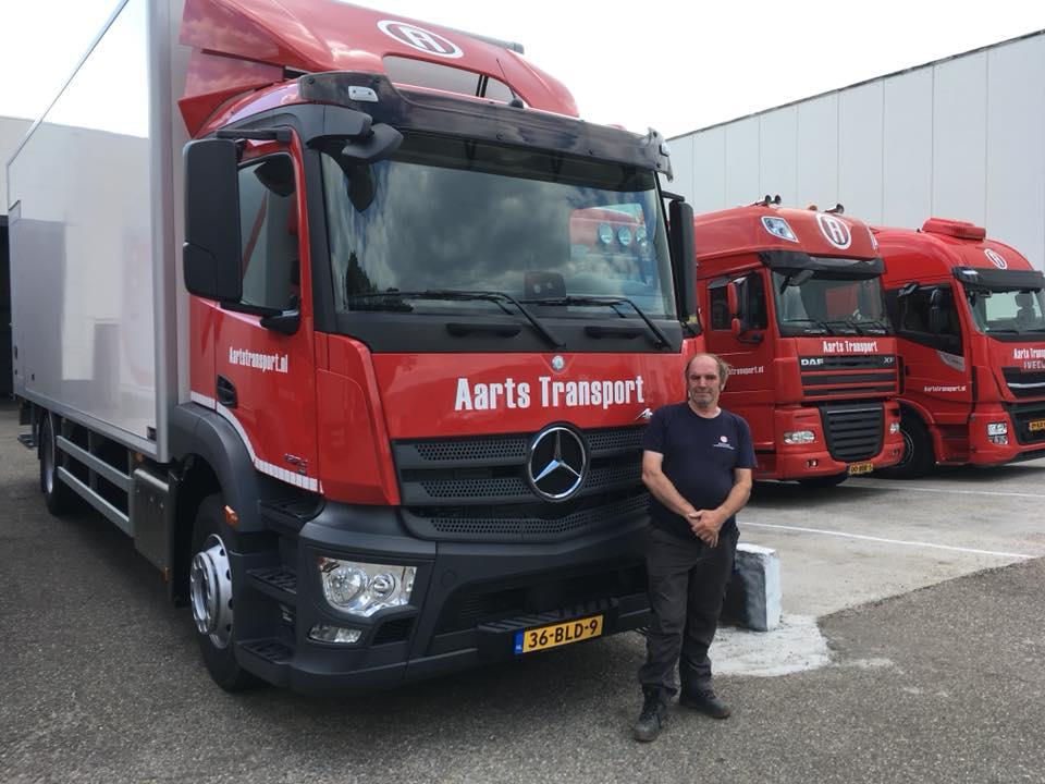 MB-2018-voor-chauffeur-Walter-die-al-meer-dan-40-jaar-bijons-chauffeur-is