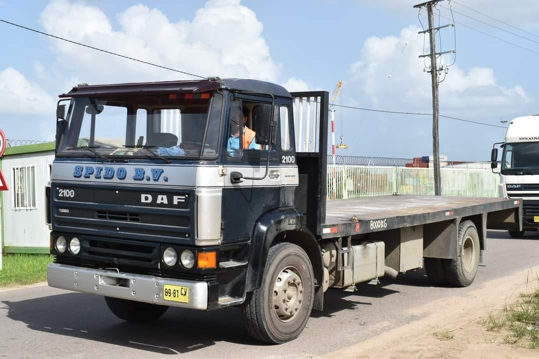 DAF-2100-in-Suriname