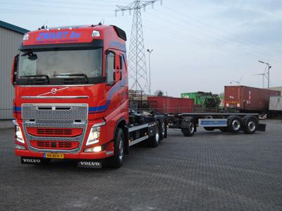 Volvo-Containerauto-euro-6-foto-2-(3)