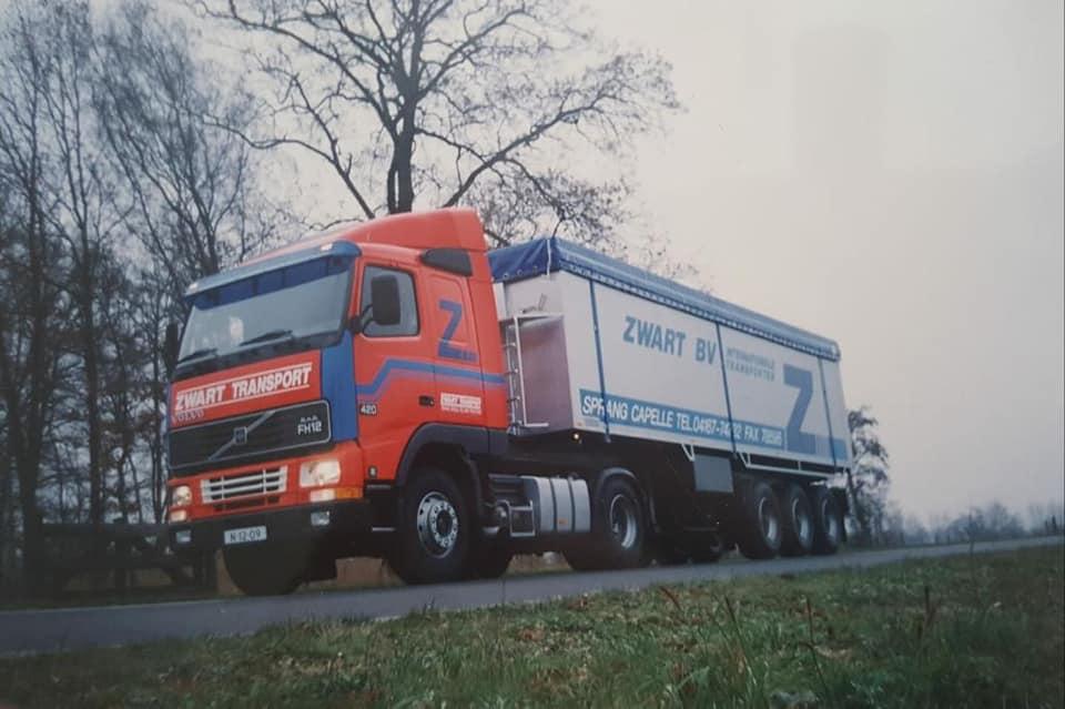 Volvo-FH12-de-enigste-met-plat-dak-en-later-in-Bollivia-(1)
