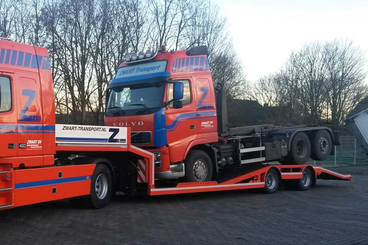 Volvo-auto-transporter-(1)