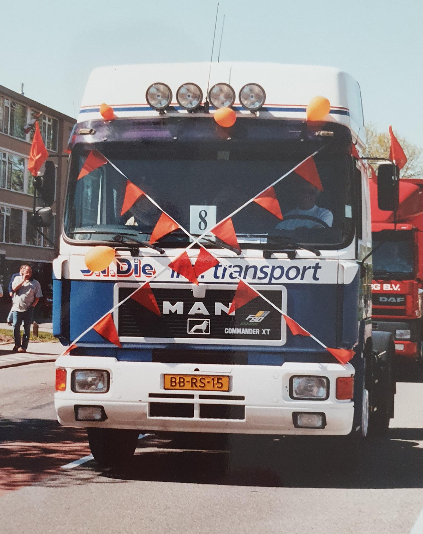 Toen-was-het-niet-rustig-in-het-dorp--Maarten-van-Die-(2)
