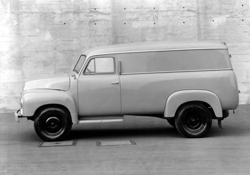 Opel-Blitz-Kasten-wagen-1950