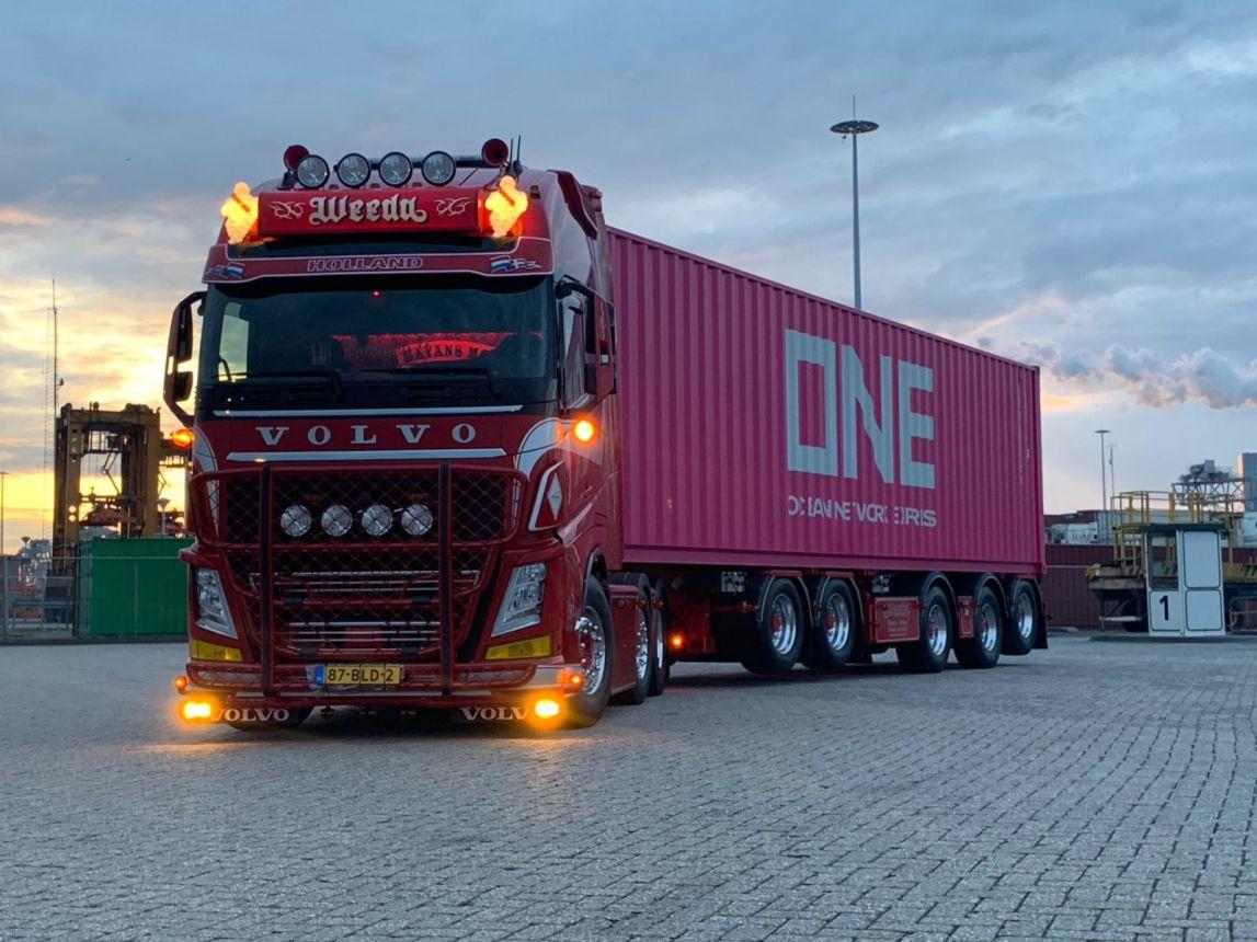 Volvo-FH4--560PK-6x2-Euro-6--Chauffeur-Frank-Nijssen-(3)