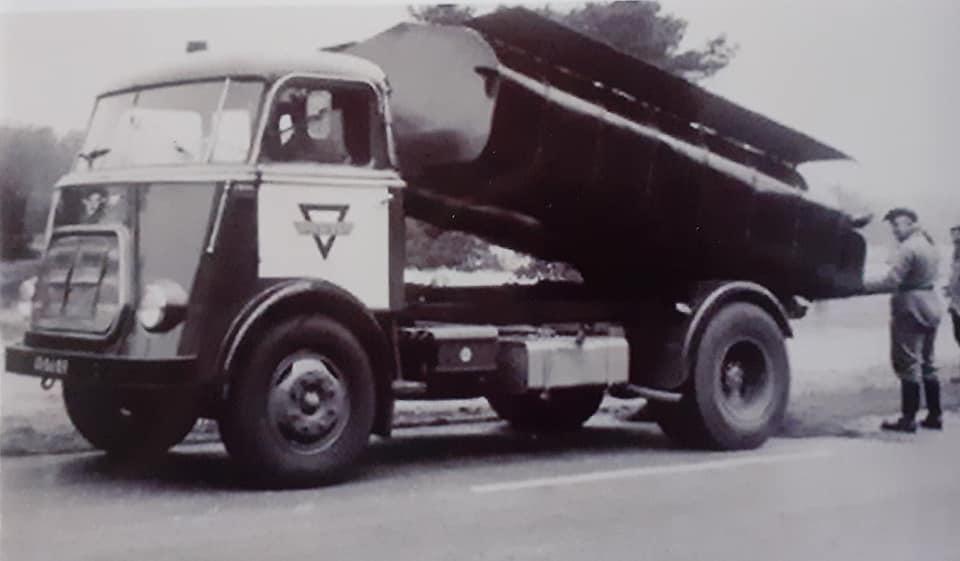 Apeldoorn-DAF-Bruil-Apeldoornseweg-bij-Otterlo-chauffeur-Gert-Kraats-1963