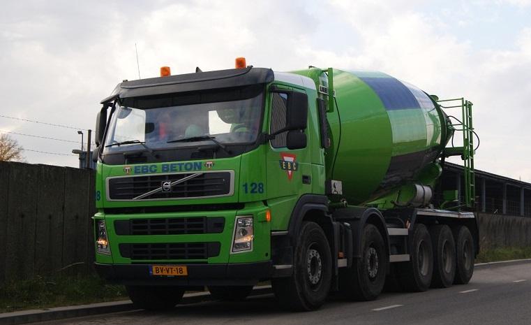 Volvo-128-Corrine-Kroon-foto