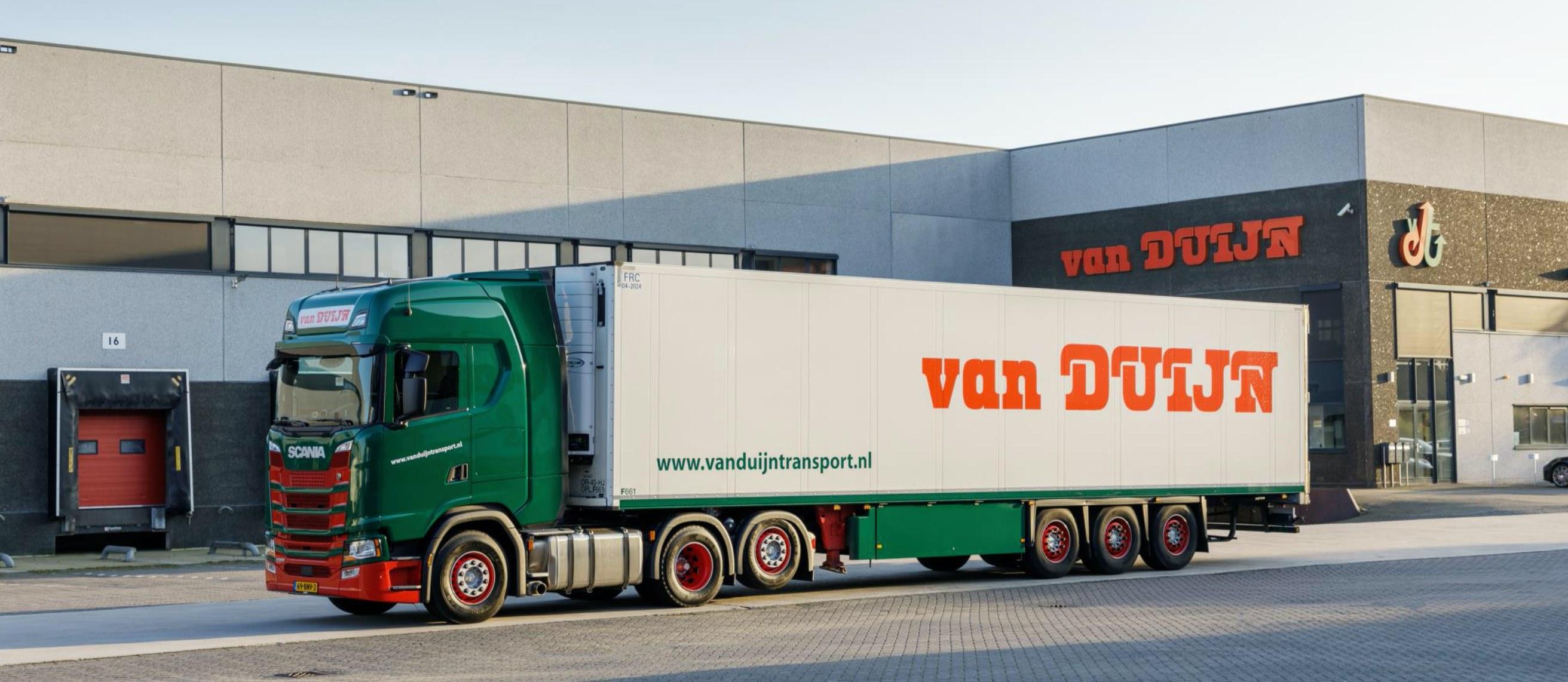 Scania--6X2